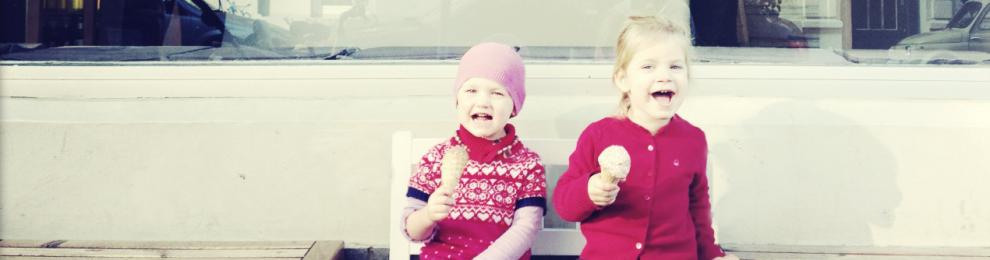 Erstes Foto der kleinen Eisladen Fans!